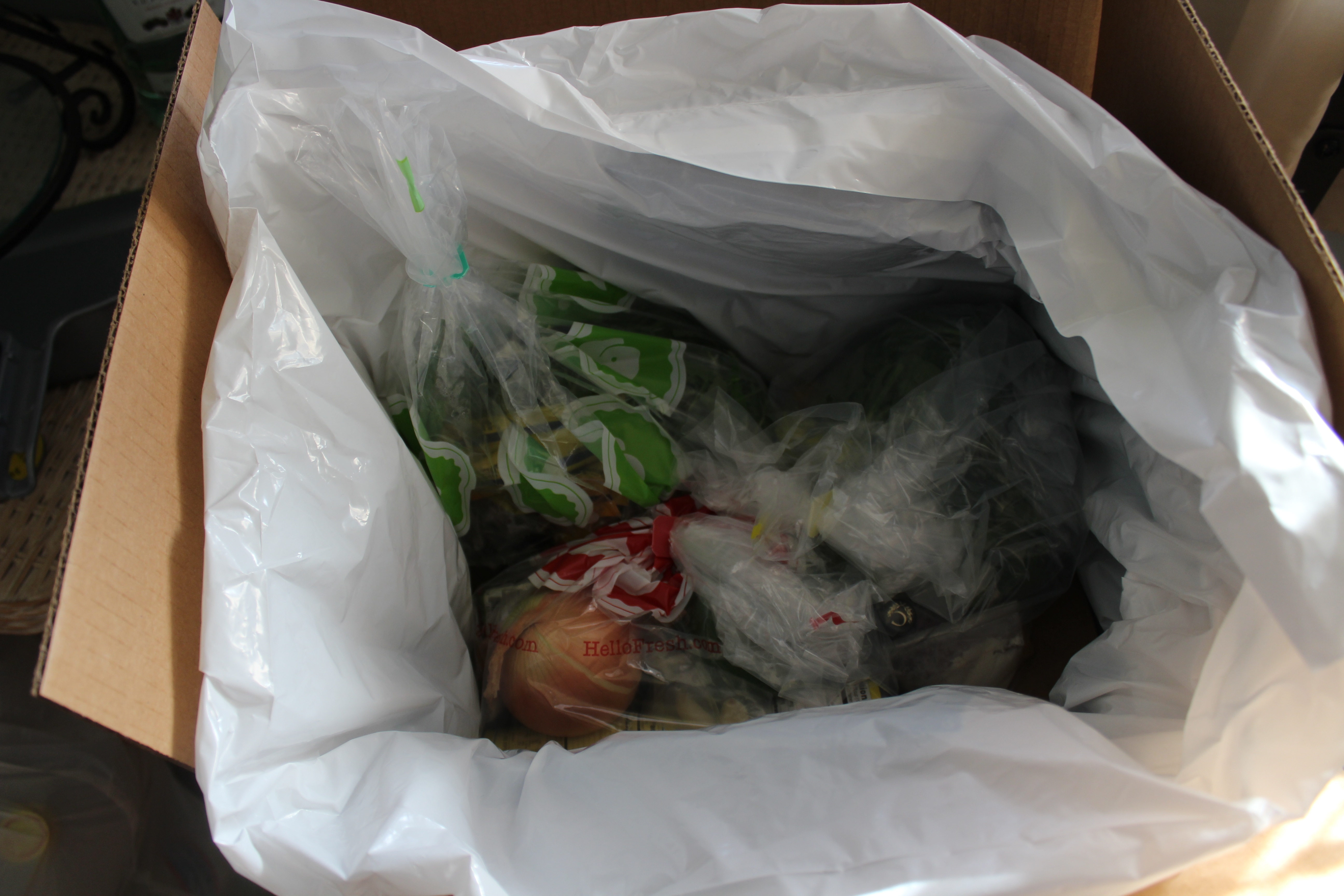 Blue apron or hello fresh - Blue Apron Waste Compared To Blue Apron That Uses Several Small Bags Hello Fresh Uses